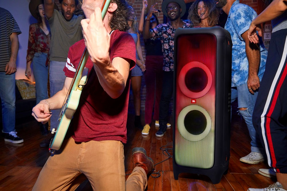 Description: Start a party with the JBL Partybox 1000 - JBL (news)